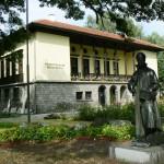 Samokov-History-museum-monument-Zahari-Zograf